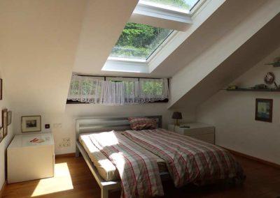 Schlafzimmer mit Dachfenstern